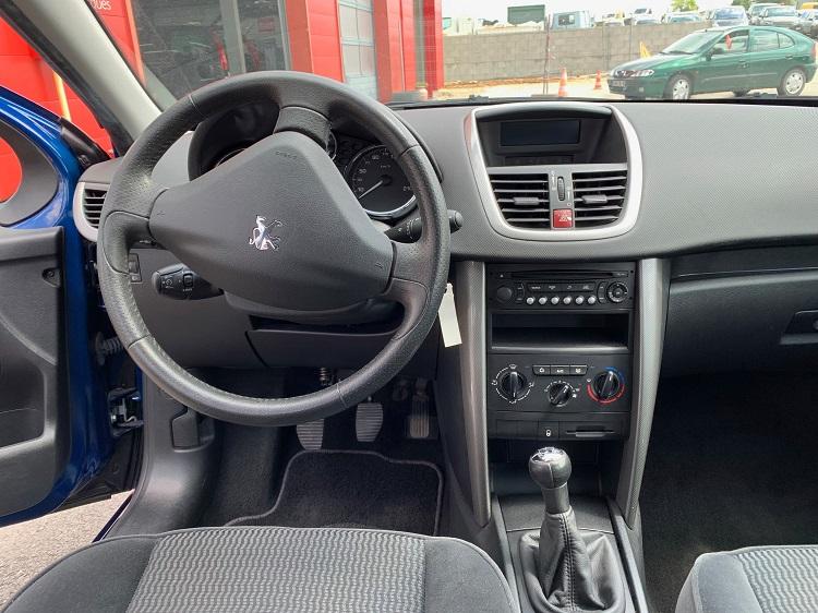 Peugeot 207 - CD automobiles